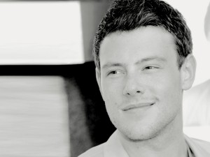cory-monteith-glee-black-and-white-headshot-600x450